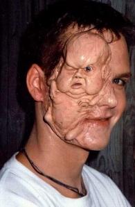 wajah manusia yang seram. tapi ini nyata atau tidak men